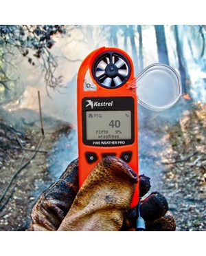 Kestrel 5500FW Fire Weather Meter Pro - in use
